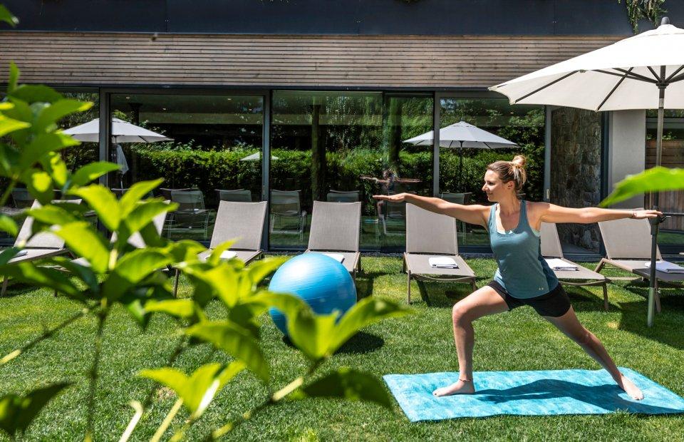 hotel-das-stachelburg-mountain-beach-fitness-retreats-04.jpg