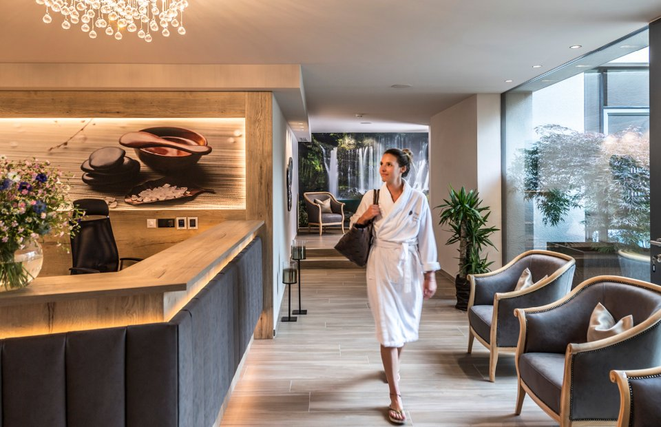 hotel-das-stachelburg-wellness-eingang.jpg