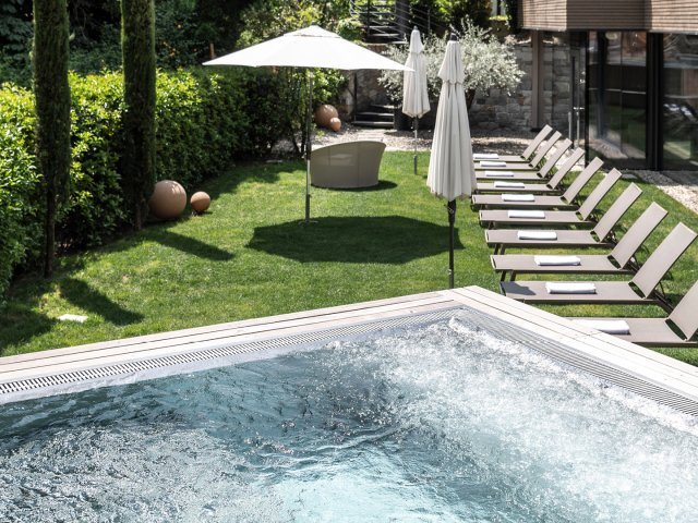 hotel-das-stachelburg-whirlpool-aussicht.jpg