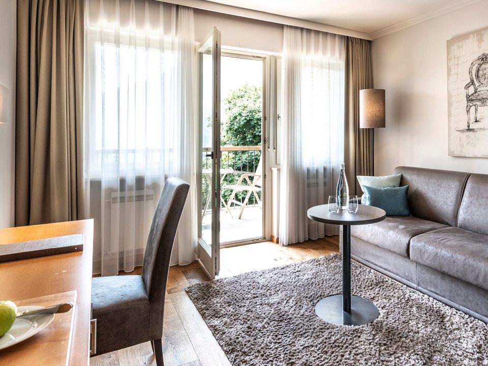 hote-das-stachelburg-suite-balance-wohnbereich.jpg